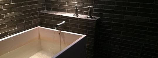 アメリカ・ロサンゼルス個人邸の角型浴槽